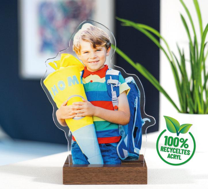 Acrylfigur mit Foto wird das Schulkind